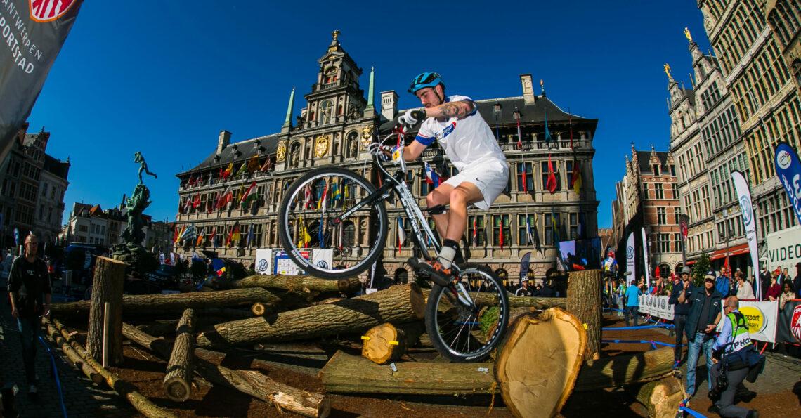Trial Bike grote markt Antwerpen