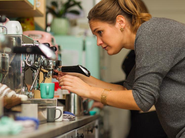 Website, sfeervideo en fotoshoot voor espressobar Julie's te Geel